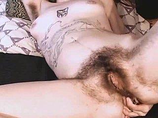 nackte girls hairy achsel lecken