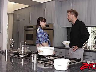 Papa Fucks Tochter Die Küche